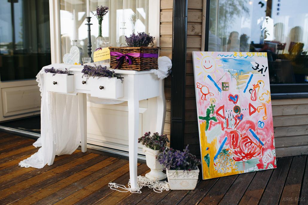 kāzu galdu dekors lavandas