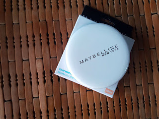 MAYBELLINE NEWYORK, Classic Beauty Products, beauty review, Maybelline white super fresh powder, Maybelline color show nail polish, makeup, make up, makeup review, makeup blog, Maybelline COlor Show Lipstick, maybelline Mascara, beauty, beauty blog, Beauty review, Makeup online, top beauty blog, red alice rao, redalicerao