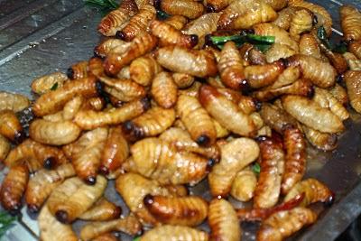 http://selongkar10.blogspot.com/2014/01/8-makanan-eksotik-di-malaysia-yang.html