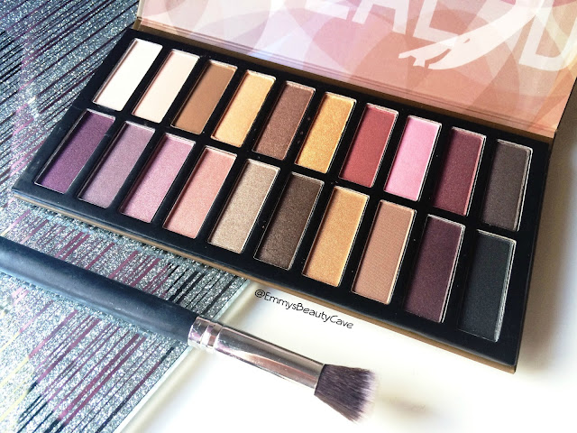 Revealed 3 Eye Shadow Palette review