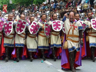 Turisme colabora con la Asociación San Jorge de Alcoy para la promoción de las fiestas de Moros y Cristianos