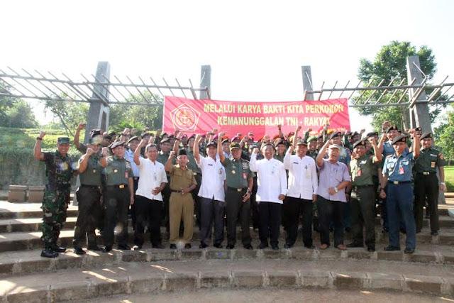 Denma Mabes TNI Gelar Karya Bakti