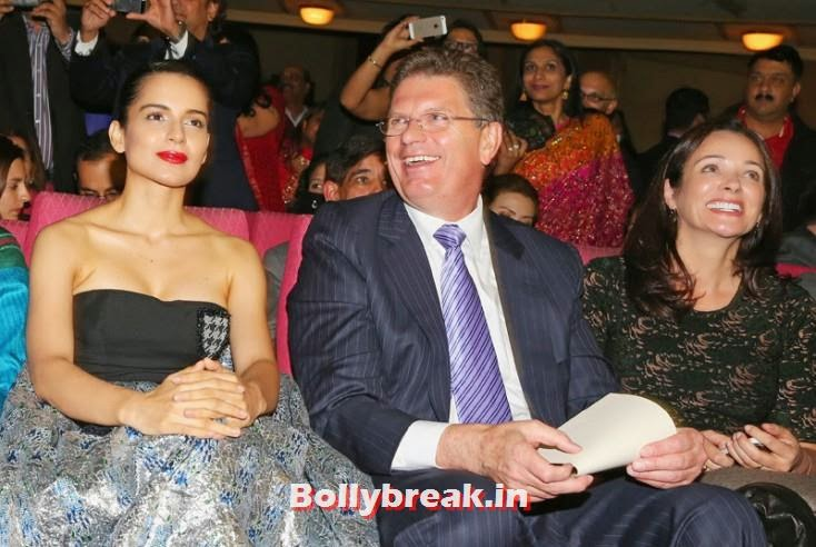 Kangana Ranaut, Premier of Victoria Ted Baillieu and his wife Robyn Jubb, Kangana Ranaut & Amitabh Bachchan at the Indian Film Festival of Melbourne Awards