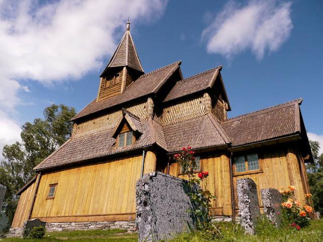 كنيسة أورن ستافكيرك الخشبية