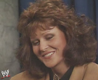 WWF / WWE: Wrestlemania 6 - Miss Elizabeth gives an interview in which she suggests she'll return to the ring