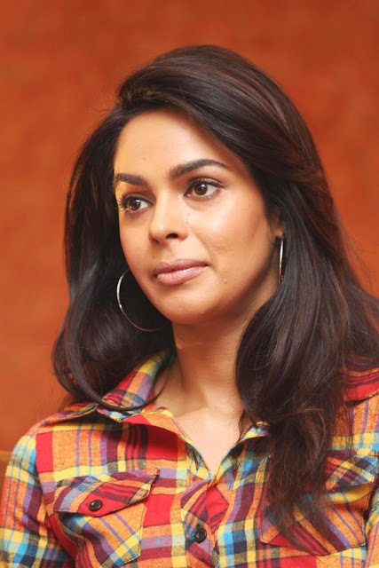 Mallika Sherawat HD Wallpapers Free Download