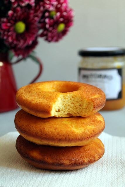 Doughnuts de melocotón al horno