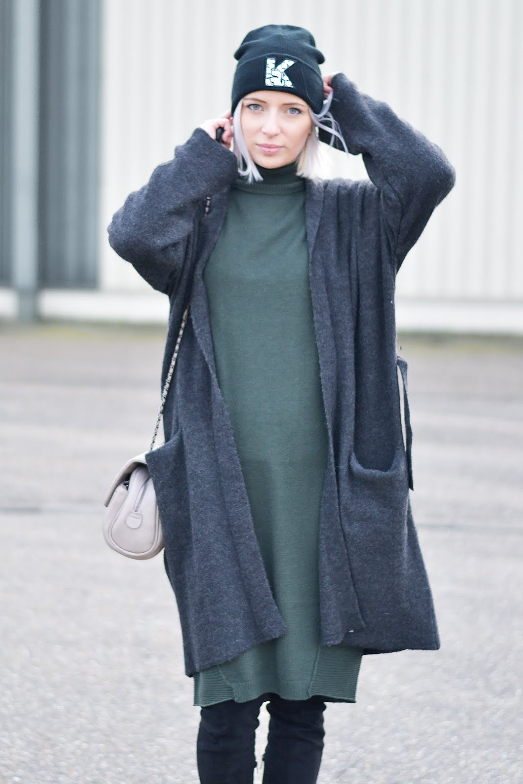 Asos jumper dress, maxi dress, long cardigan, wool, overknee boots, chunky, sacha, karl lagerfeld hat, marc b bag, knightbridge, street style, inspiration