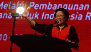 Megawati : Yakinlah, PDI Perjuangan Bukan PKI - Commando