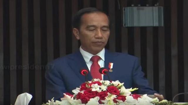 Miris! Di Sini Ada Aja yang Suka Mencemooh, Di Luar Negeri Begitu Dihormati, Presiden Jokowi Pidato Anggota Parlemen Pakistan Berikan Tepuk Tangan, Sampai Pukul-pukul Meja....