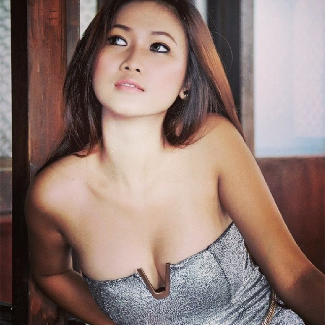 indonesian top model nude photo