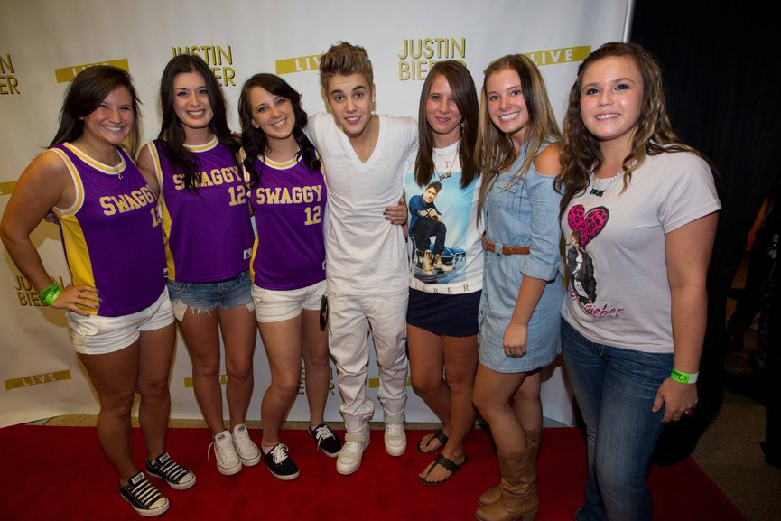 win meet and greet tickets for justin bieber 2013