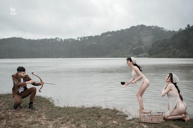 Thư Dung chụp ảnh với nhiều tư thế, động tác nóng bỏng quá đà