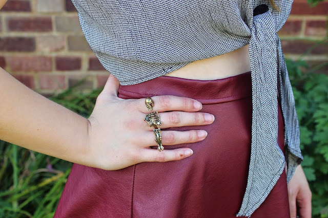 blogger-accessories-inspiration-fashion-ring-jewelry-vintage-camden-skeleton