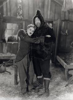"""Чарли Чаплин и Мак Суэйн в фильме """"Золотая лихорадка"""" (1925) - 8"""