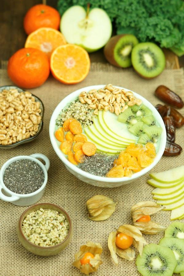 smoothie bowl, smoothie verde con semillas