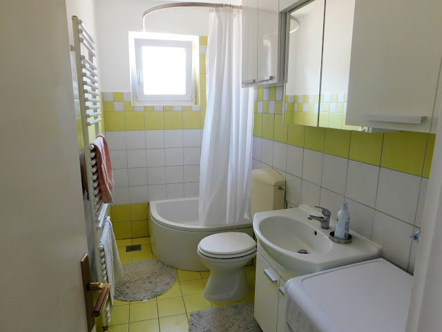 apartments bernarda, apartmani bernarda, jezera, murter, croatia, hrvatska, ljeto, summer, vacation, holiday, bathroom, wc,