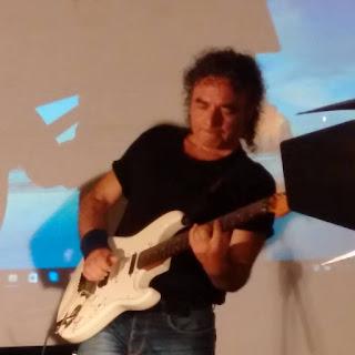 RENATO VILLARI LEAD GUITAR LIVE