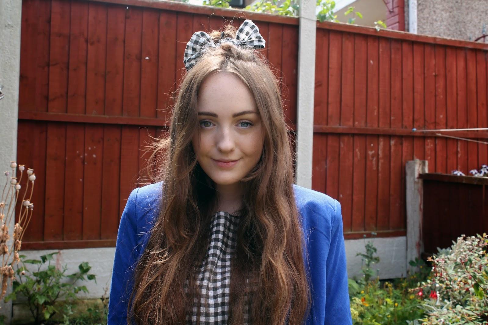 gingham hairbow, DIY hair accessory, heterochromia iridium