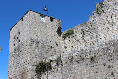 En el castillo de Castro Caldelas en Orense tuvo lugar una de los episodios de las Revueltas Irmandiñas