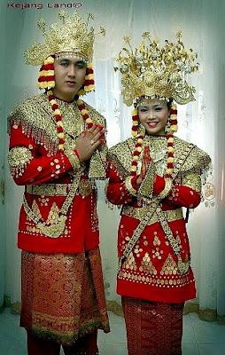 Provinsi Bengkulu - Pakaian Adat Tradisional Bengkulu