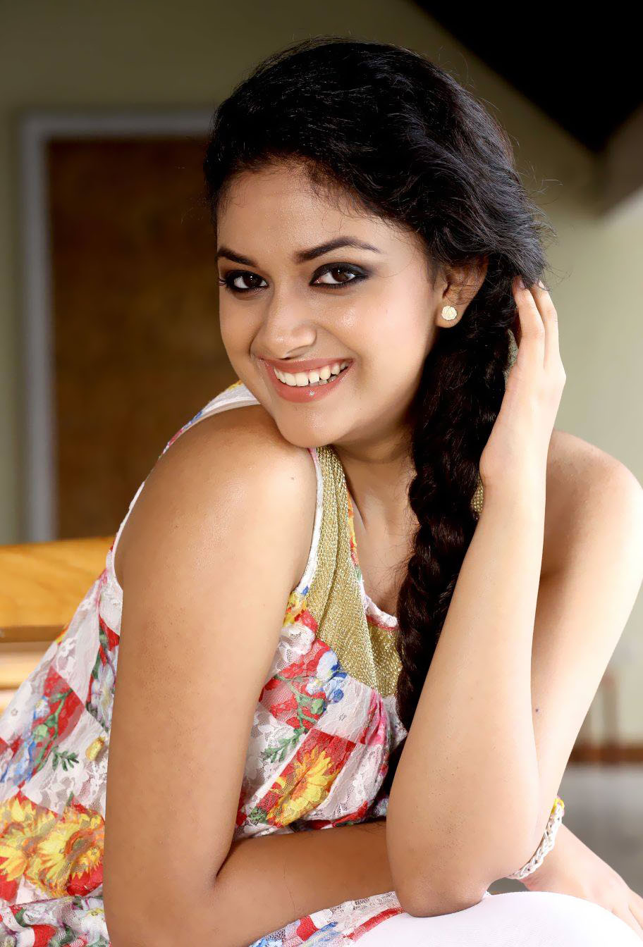 A-Z Photos Tamil Actress Keerthy Suresh New Cute Stills-8949