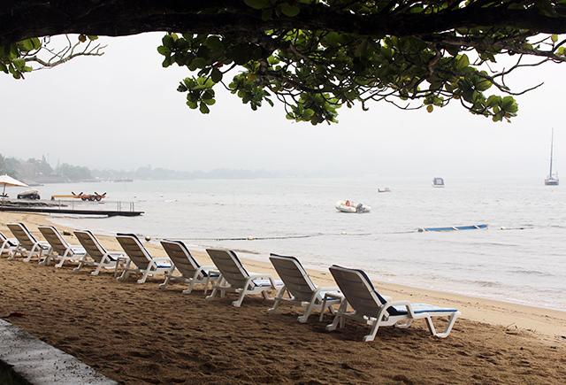 Praia vazia em Ilhabela