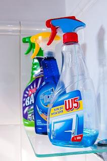 私も最初は用途別洗剤を揃えていたのだけど