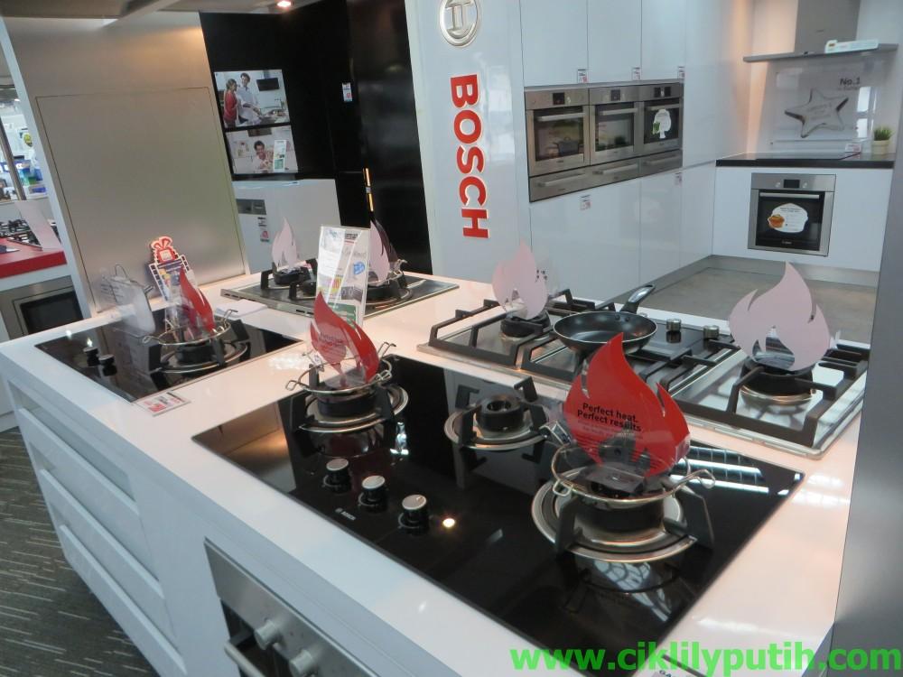 So Kalau Korang Bercita Cita Nak Mencari Dapur Yang High End Dan Canggih Sket Di Sinilah Ruangnya