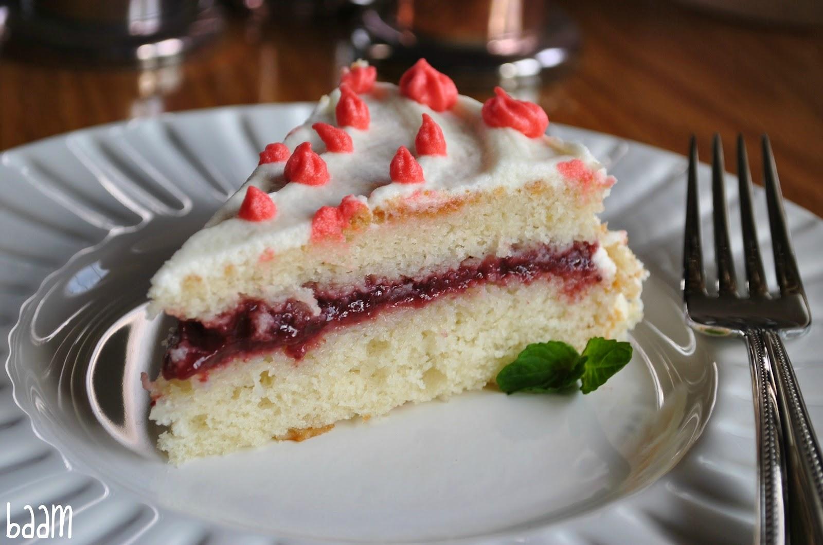 Strawberry Cake Recipe With Jelly: Beti Vanilla: White Cake With Strawberry Jam