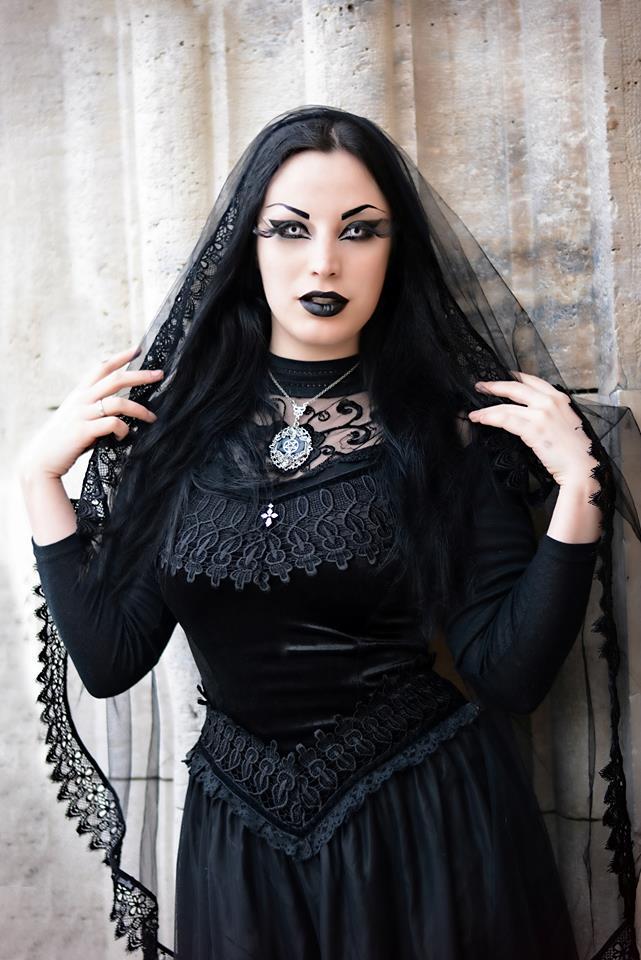 Aug 2 Slooty Goth Girls