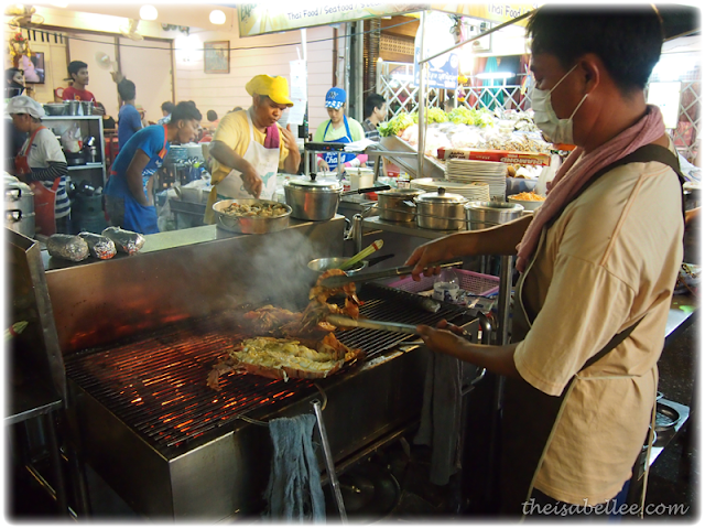 Cooking seafood in Hua Hin night market