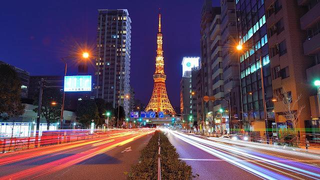 Backpacker ke Tokyo Tower di jepang