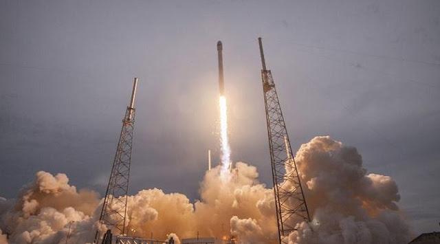 Pendaratan roket secara vertikal