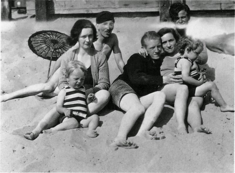 Rare Photos Of 3 Year Old Norma Jeane Aka Marilyn Monroe