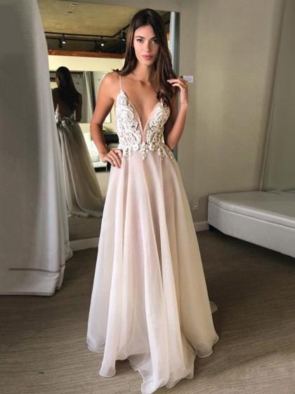270e85c031f Chiffon Tulle V-neck A-line Sweep Train Appliques Lace Wedding Dresses