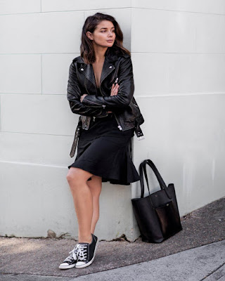 outfit casual negro tumblr con converse