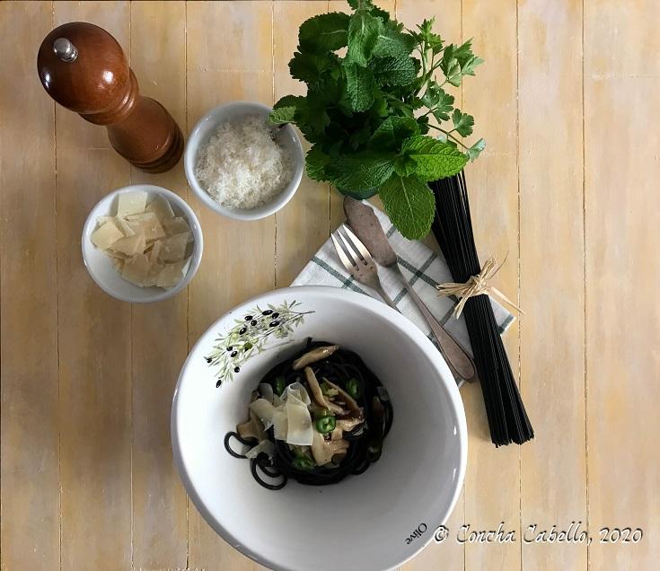 spaghetti-nero-shiitake-guindilla-mesa