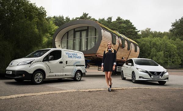 Nissan y la actriz Margot Robbie se unen para impulsar el acceso a la energía eléctrica en todo el mundo