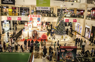 One year shopping free from Viviana Mall's Santa Gift Factory