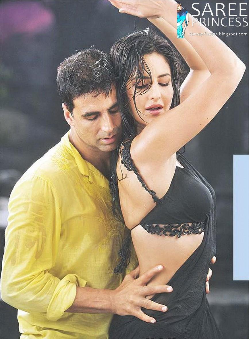 Katrina Kaif In Wet Saree In A Sizzling Hot Rain Song With Akshay Kumar