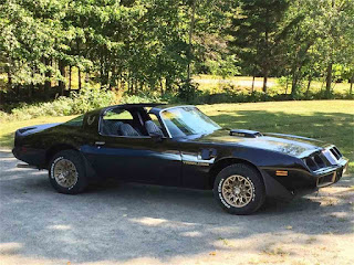 www.transam1979.com Super 1979 Trans Am! Thumbs up x2!!!
