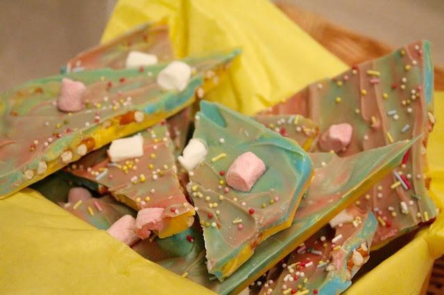 Easy Easter Tie Dye Pretzel Bark Recipe