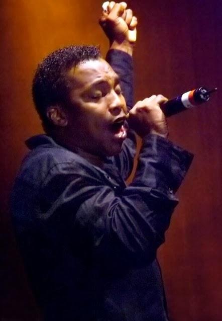 Imagen del artista Haddaway, cantando