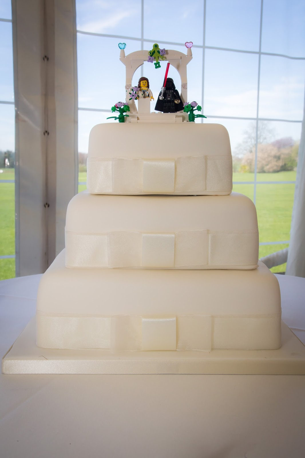 I Managed To Find A Lego Wedding Favour Set Which Was Perfect As Cake Topper It Only About 6 He Replaced The Groom With Darth Vader And
