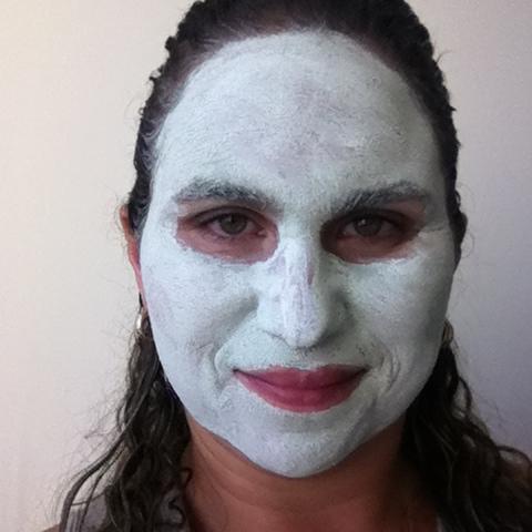Máscara Facial de Limpeza Profunda Solutions Clean - Avon