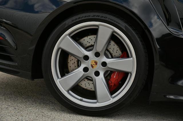 2016 New Porsche  Turbo 911 Cabriolet Performance wheel