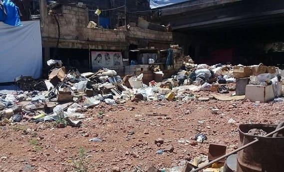 أصوات تتعالى في السويداء بسبب انتشار القمامة تحت جسر الرئيس