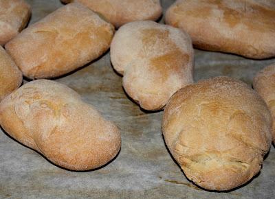 Pane fatto in casa, ricetta base | Cucina per caso con Amelia