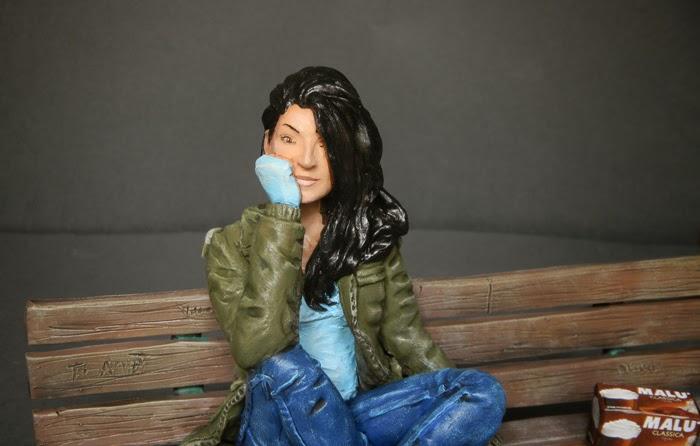 ritratto ragazza statuette personaggi film persone vere da foto orme magiche